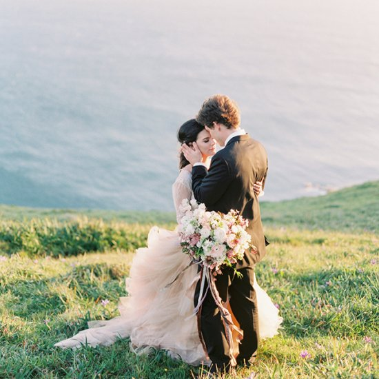 ETHEREAL BLUSH CLIFFSIDE ELOPEMENT